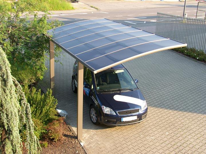 Prato verde strutture protettive tende da sole for Coperture in legno per auto usate