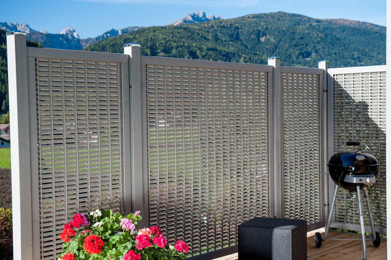 Grigliati per terrazzi in alluminio la scelta giusta - Barriere antirumore per terrazzi ...